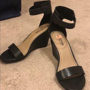 Black Wedged Sandal